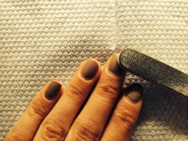 Malos hábitos para tus uñas